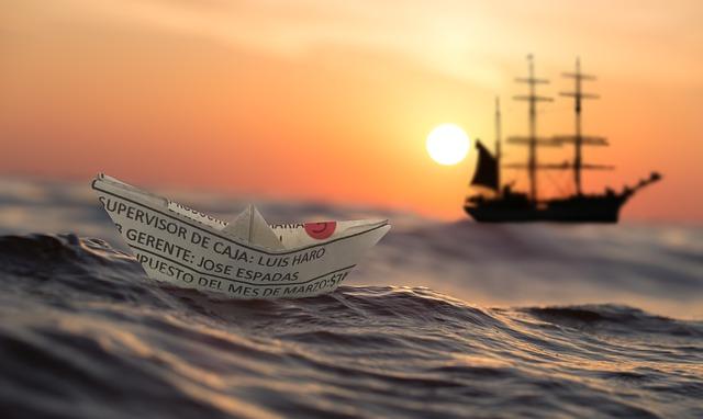 波に揺られる船