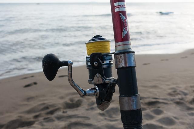 投げ釣り用のリール